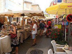 Weekly Market in Saint Saturnin les Apt